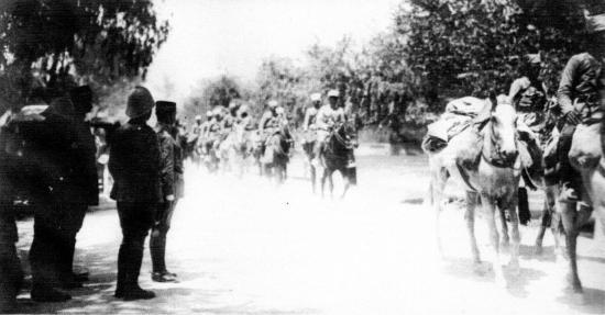 Entrée des troupes du général goybet à Damas 25 Juillet 1920