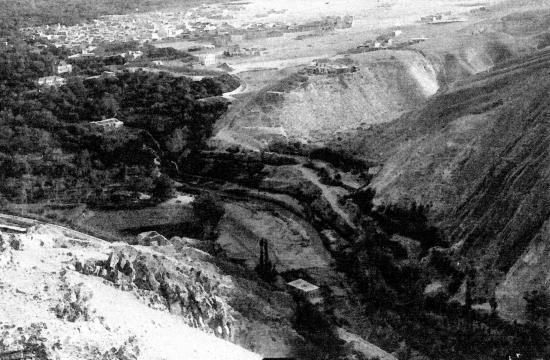 Les gorges du Barada à l' entrée de l oasis de Damas
