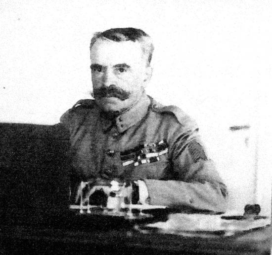 Mariano Goybet a son bureau a Beyrouth