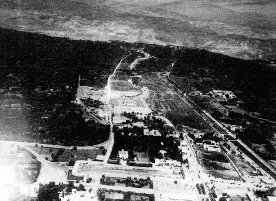 Vue aérienne route de Beyrouth à Damas et mosquée d El Tekieh